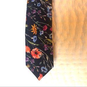Men's tie NWT BARIII GORGEOUS